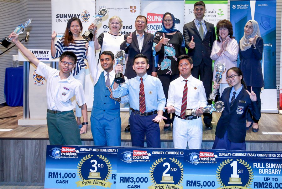 2 students who keep track of news top Sunway-Oxbridge Essay Competition