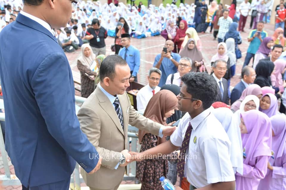 DR MASZLEE MALIK: TIME TO TEACH GOOD VALUES IN SCHOOL